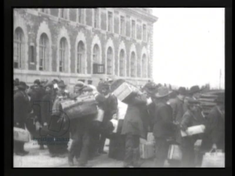 Arrival of immigrants on Ellis Island, New York, 1906 - early Thomas Edison films