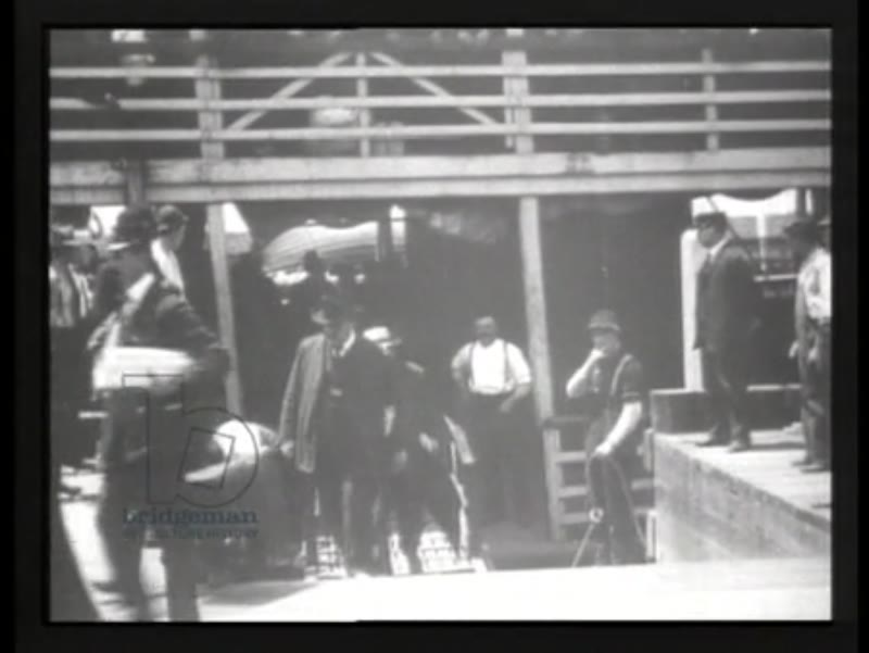 Immigrants arriving at Ellis Island, New York, 1903 - early Thomas Edison films