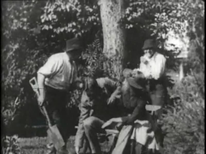 Interrupted lovers, early Edison film, 1896