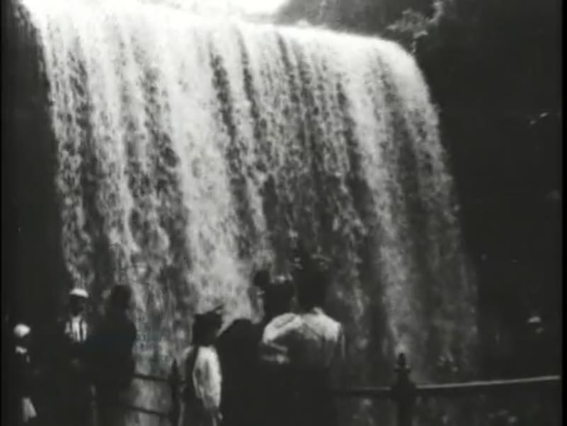 Falls of Minnehaha, early Edison film, 1897