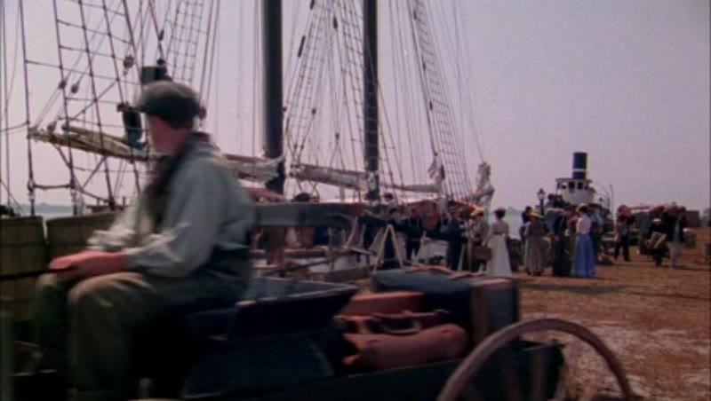 Workers by a ship in the harbour, 1908 - reenactment
