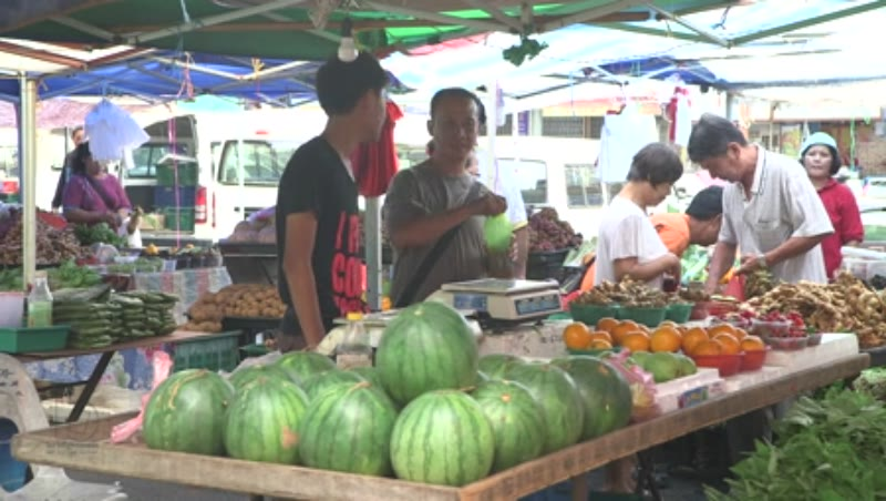 Static shot of a market stall in East Malaysia, Borneo, clip 4