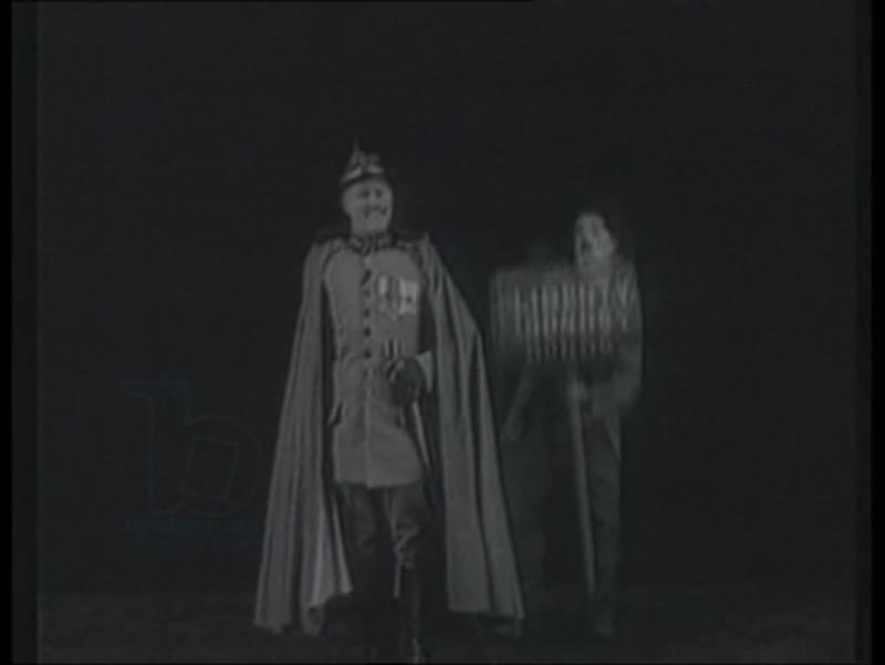 Douglas Fairbanks, Marie Dressler and Charlie Chaplin campaign for war effort. Chaplin dressed as the Tramp to advertise bonds. 1917