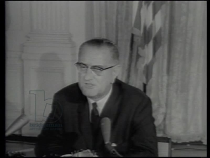 Lyndon B. Johnson signs the Civil Rights Act of 1964, Luther King present, African Americans voting