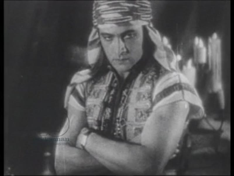 Clip from 'The Son of the Sheik' starring Rudolph Valentino and Vilma Bánky (1926)
