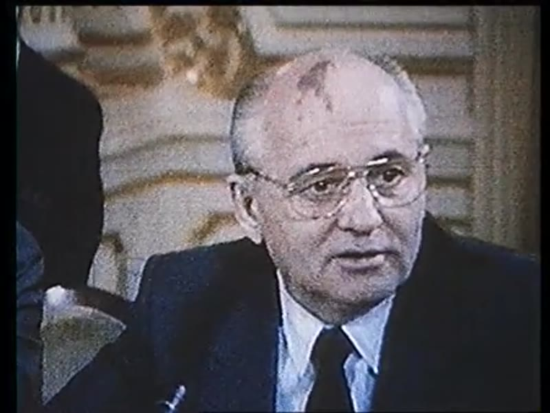 Gorbachev delivers a televised speech, 1980s-90s