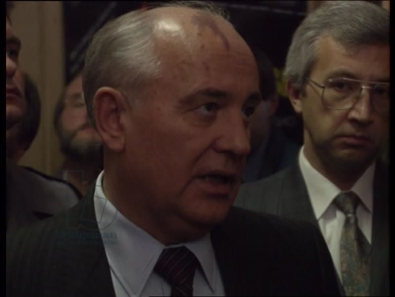 Gorbachev gives an interview when visiting the Echoes of Moscow editorial offices, Russia, 1991