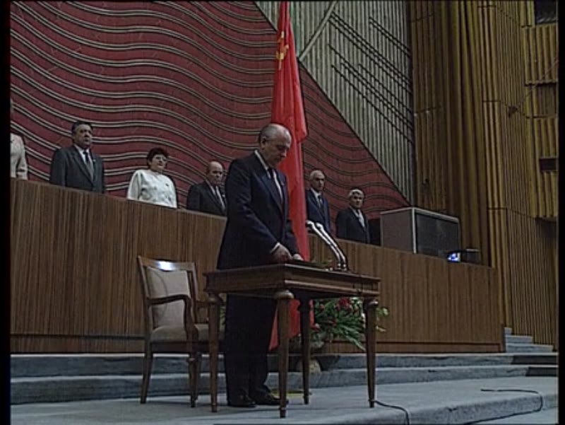 Mikhail Gorbachev becomes president of USSR March 11 1990