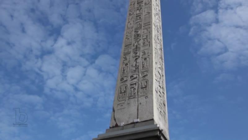 Concorde Square (Place de la Concorde), Egyptian Obelisk