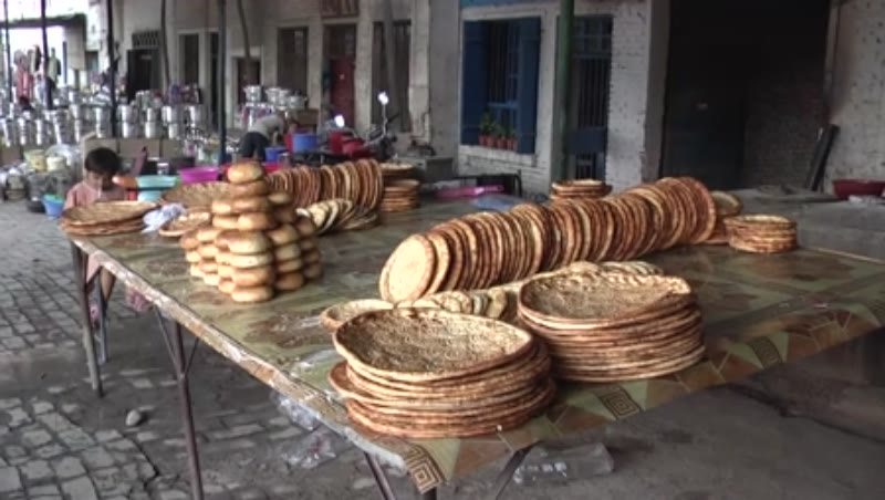 Big Naans, Kucha, China