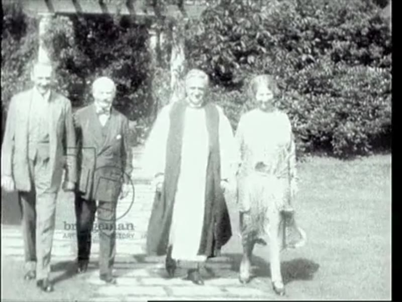 Philip de László, Lucy de László with Armand, 12th duc de Gramont and the Bishop of Waterford