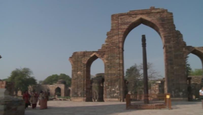 Iron Pillar, Courtyard of Quwwat-ul-Islam Mosque, Qutb Minar, Delhi