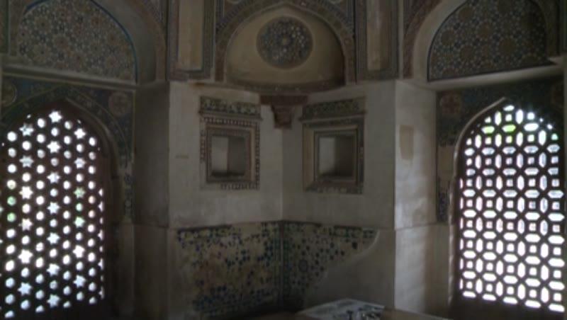 Interior, Jamali Kamali Tomb, Delhi