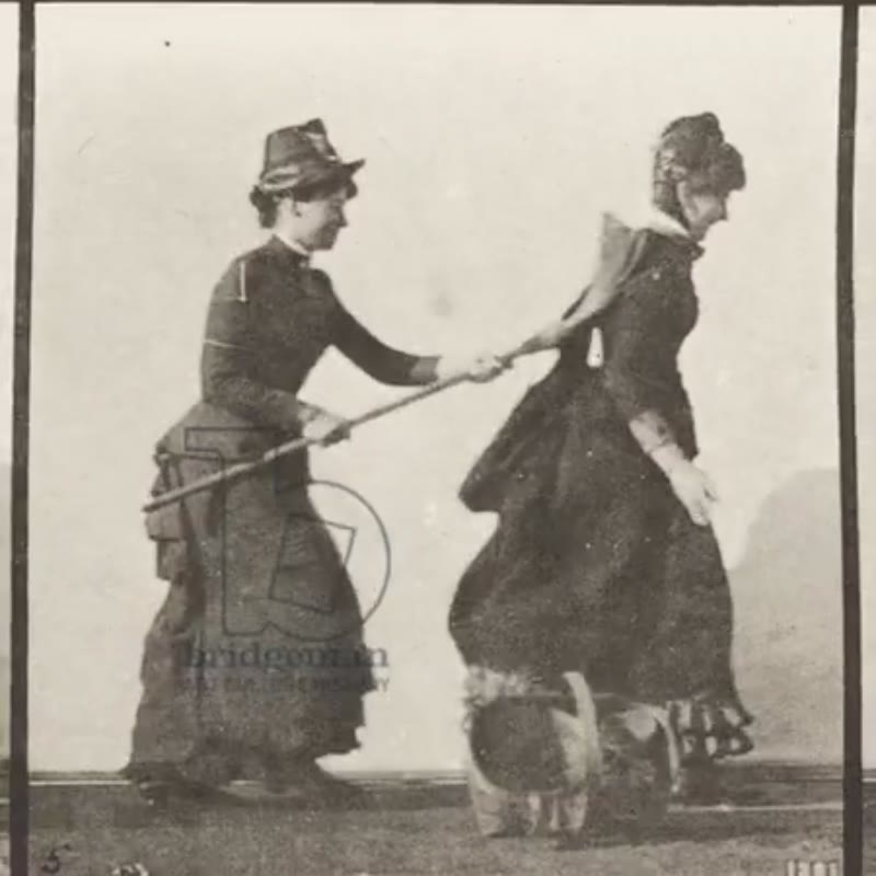 Animation of Eadweard Muybridge's 'one woman chasing another with a broom', 1885
