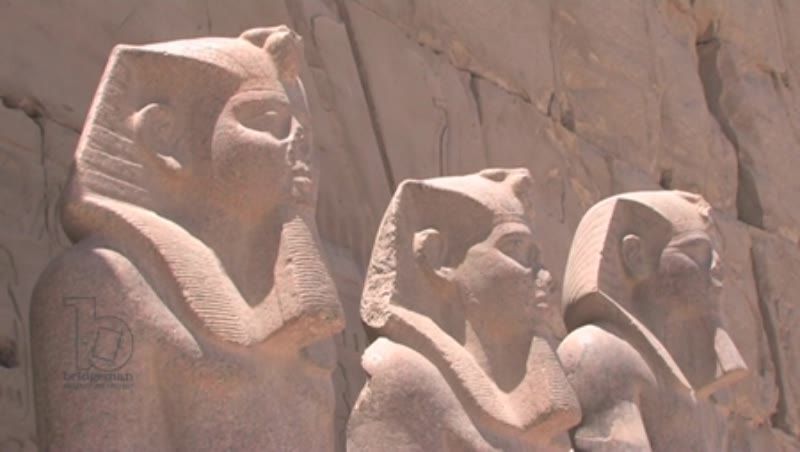 Statues of Horemheb and Thutmose III, Egypt
