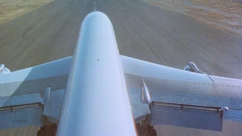 707 takeoff, tail mounted camera