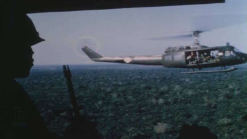 EDIT BOF814654 Vietnam War Operation Big Spring, 1967 US soldiers in helicopters, smoky battlefield, setting up mortar