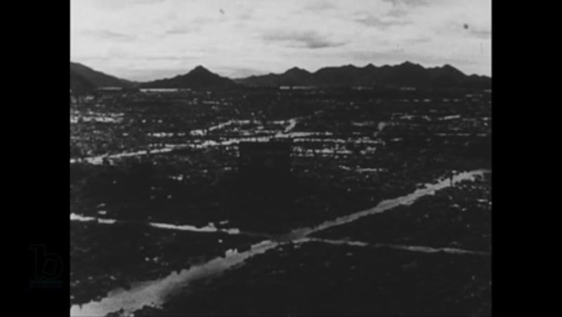 United States, 1940s: Views of destroyed Japanese city