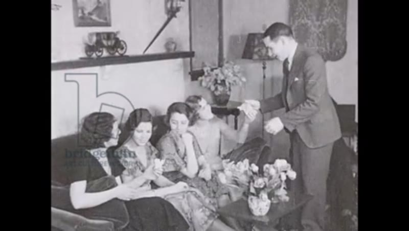 Magic in the Living room, 1930s