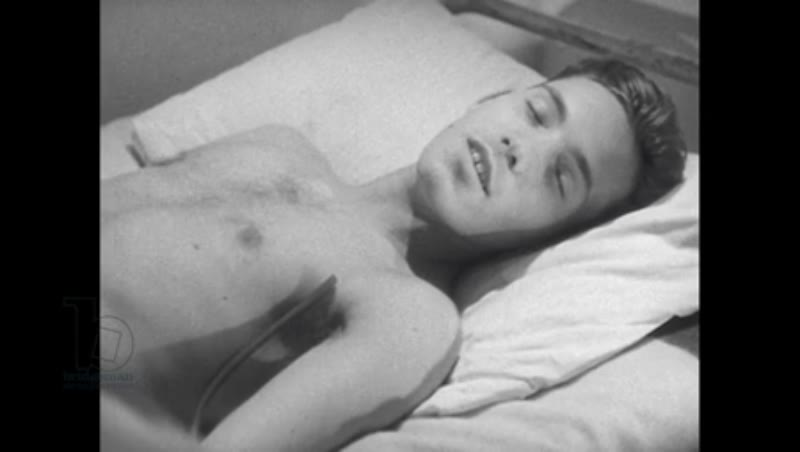 1940s: Patient lies on pillow, speaking with eyes closed.