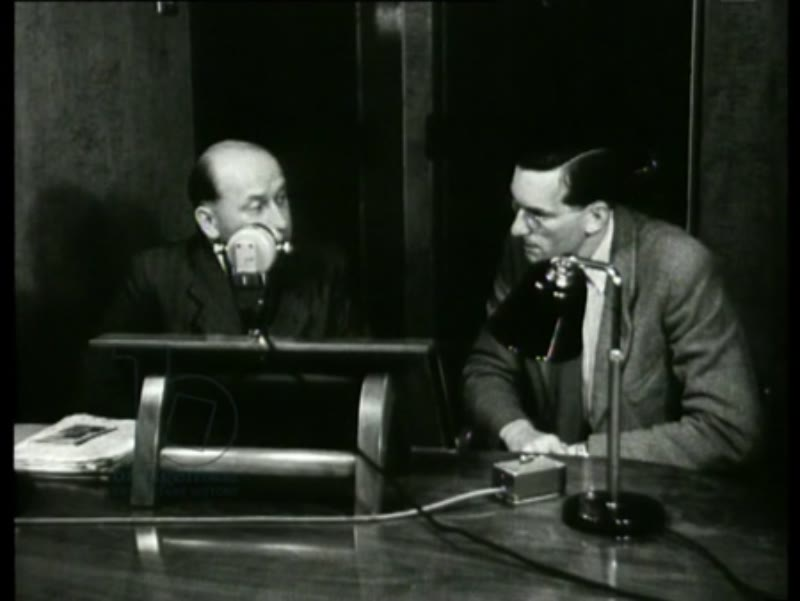 A Dutch broadcaster interviews dr. Kaskelis who talks about the atrocities of the Bolshevists. Kaskelis also shows pictures. 1944