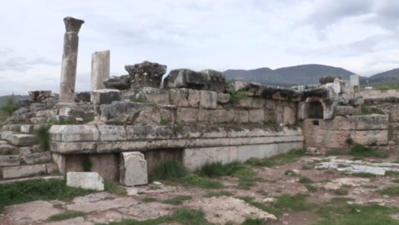 Temple of Apollo, Plutonium