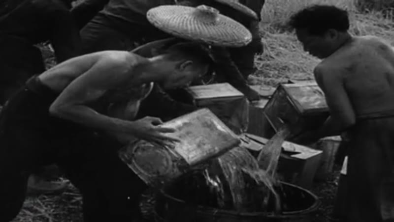 Battle of China – masacre of Nanking by the Japanese Army, largest human migration