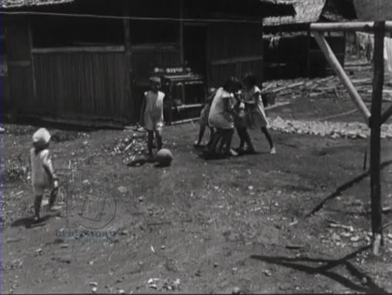 Construction of hospital in Indonesia, where Dutch nurses look after the children