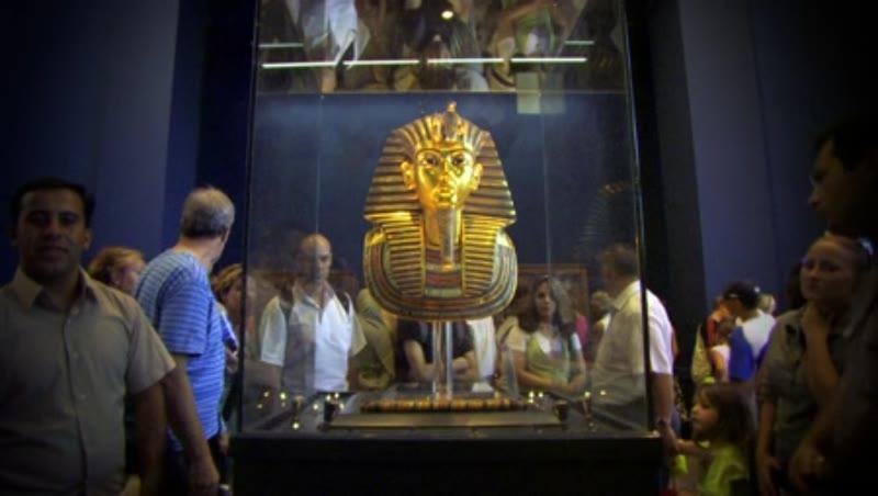 The Mask of Tutankhamun at the Egyptian Museum 3