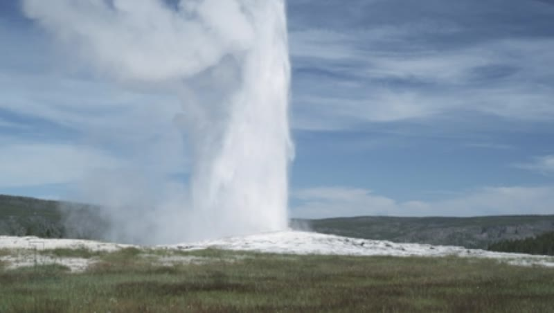 Erruption of Old Faithful Geyser 3