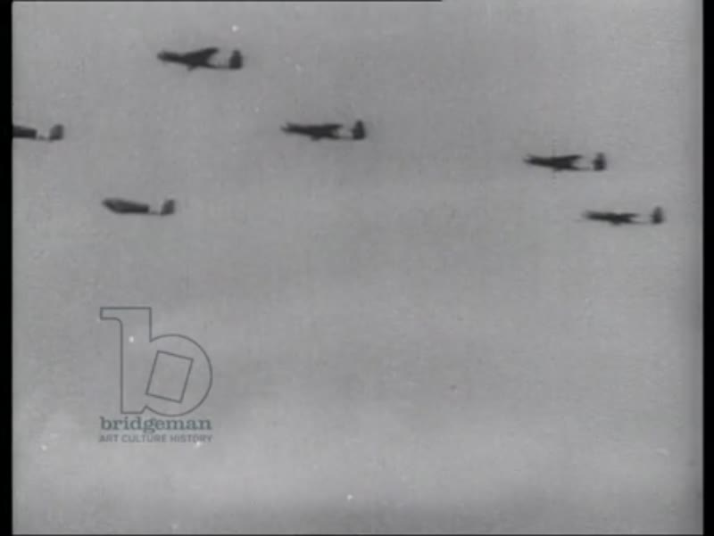Allied aircraft crossing English Channel towards Normandy